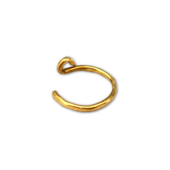 gold filled hammered 2 nose ring1